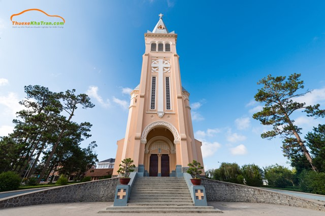 hình ảnh nhà thờ con gà đà lạt