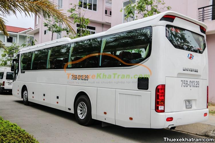 Thuê xe 45 chỗ Hyundai Universe Huế đi Quảng Bình
