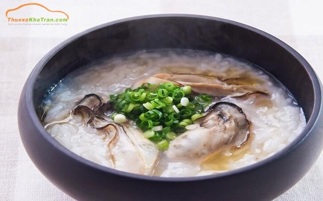 Cháo Hàu - Món ăn nổi tiếng tại Quảng Bình.